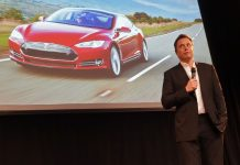 Musk Hints that Tesla Could Roll out it's New AI Chips in 6 Months